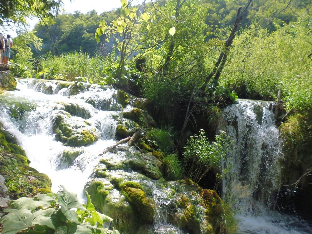 spacer po jeziorach plitwickich w Chorwacji