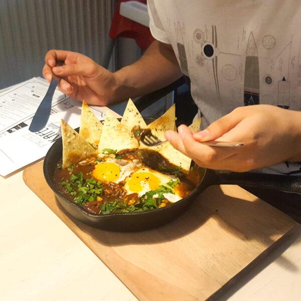 walka z jesienną chandrą - wypad do Kafeju w Katowicach - jajka w piekle w Kafeju